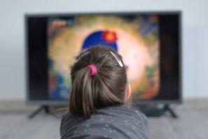 dítě televize zrak